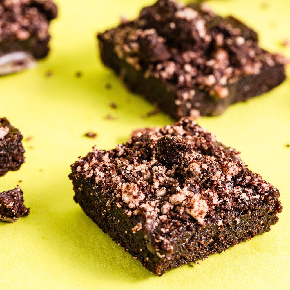 cannabis cookies n cream brownies